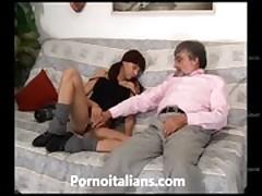 Incesto italiano - vecchio porco scopa ragazza vogliosa! Incest italian