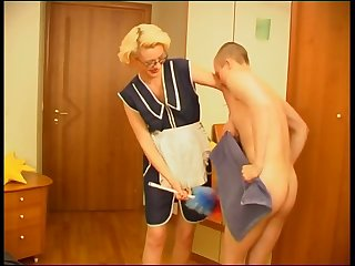 Mature trashy mom used her boy for sex