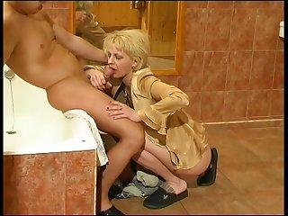 Boy seduces mature trashy mommy