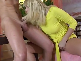 russian mature loves to suck and fuck a toy boy