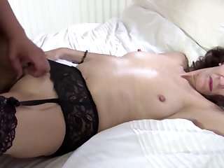 Real mom fucked by young