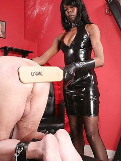 <!–-IMAGE_COUNT-–> of MISTRESS DIVINE IN THE OWK