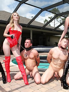 <!–-IMAGE_COUNT-–> of Vanessa Cage and Alexa Rydell and Rileya Rey